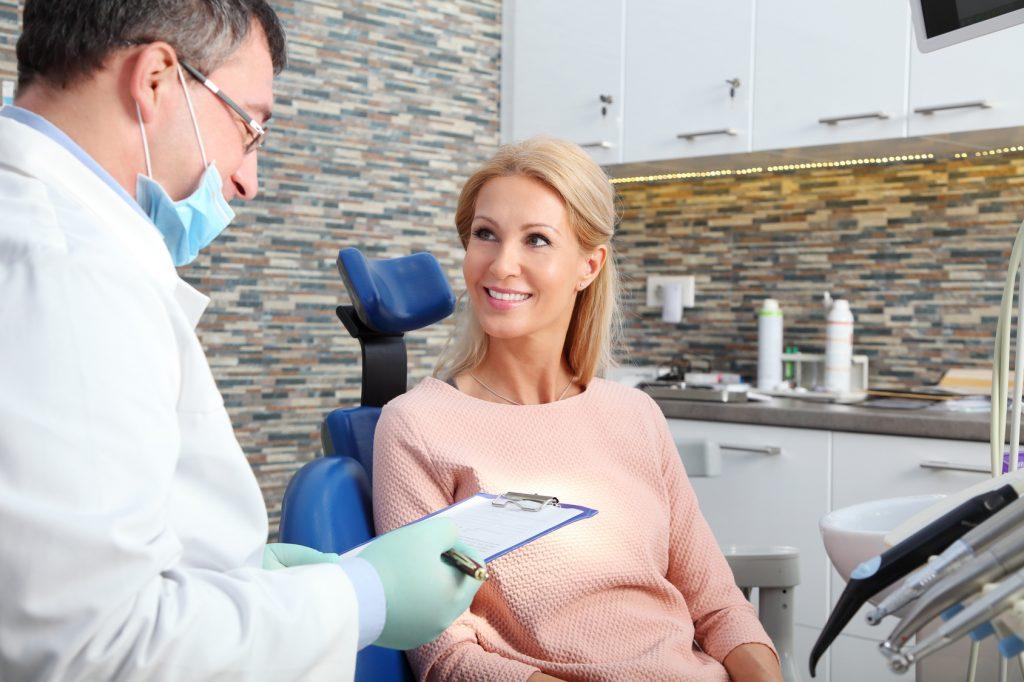 Szczegółowy wywiad przed implantacją stomatologiczną