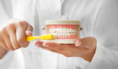 Higiena protez zębowych