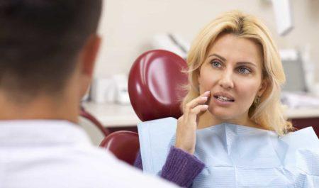 Ruszający się ząb - wizyta u stomatologa